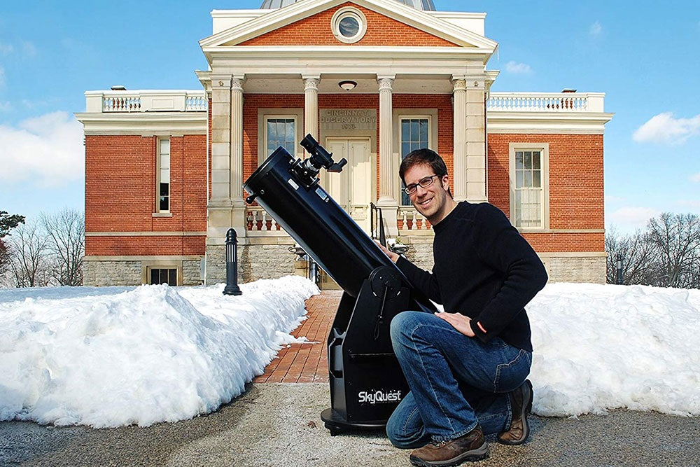 Photo of Orion SkyQuest XT8 Classic Dobsonian Telescope
